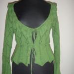 Зеленая ажурная кофточка